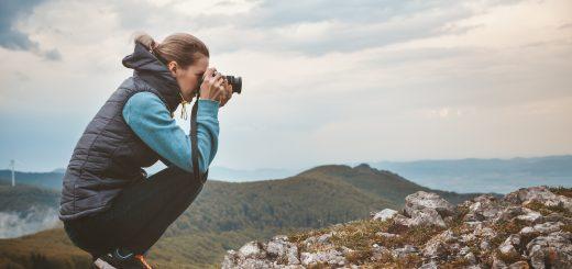 【一眼レフカメラを比較】メーカー別の特徴をご紹介!